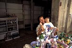 Brunei;Bruneian;Borneo;Southest_Asia;Asia;boy;boys;child;children;youngsters;kids;childhood;person;people;boys;childhood;children;kids;male;people;person;persons;woman;women;youngsters;Bandar_Seri_Begawan;Brunei_Darussalam;Mother;child;Kampung;Ayer;village