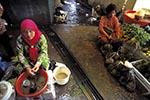 Brunei;Bruneian;Borneo;Southest_Asia;Asia;female;marketplaces;markets;merchants;people;person;persons;people;retailers;salespersons;sellers;shopping;vendors;woman;women;Bandar_Seri_Begawan;Brunei_Darussalam;Vendors;market