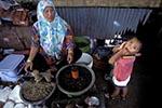 Brunei;Bruneian;Borneo;Southest_Asia;Asia;boy;boys;child;children;youngsters;kids;childhood;person;people;boys;childhood;children;female;kids;marketplaces;markets;merchants;people;person;persons;retailers;salespersons;sellers;shopping;vendors;woman;women;youngsters;Bandar_Seri_Begawan;Brunei_Darussalam;Woman;child;market