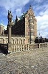 Denmark;Danish;Europe;Scandinavia;Europa;Architecture;Art;Art_history;Renaissance;Statue;moat;Frederiksborg_Castle
