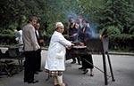 Kazakhstan;Kazakstan;Central_Asia;Kazakh;Kazaki;Kazakhstani;Kazak;Asia;cooking;female;kitchens;people;person;persons;people;woman;women;Almaty;Shashlik;vendor;cooking