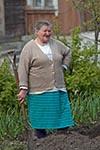 Lithuania;Lithuanian;Europe;Europa;Lietuvos;_Baltic;persons;people;Lithuanians;woman;women;female;person;people;Lithuanians;Old;woman;garden;Trakai