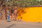 Mali;Malian;Africa;West_Africa;_persons;people;woman;women;female;person;people;Bamako;street;scene;street;woman