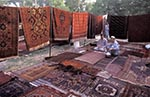 Pakistan;_Pakistani;_Asia;_Indian_Subcontinent;_Afghan;_Bazaar;_Islamabad;_carpet;_cloth;_crafts;_fabrics;_handicrafts;_Islamabad_Capital_Territory;_male;_man;_marketplaces;_markets;_men;_merchants;_people;_Pakistanis;_person;_persons;_retailers;_salespersons;_sellers;_shopping;_Sunday;_textiles;_vendors;_arts