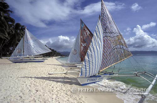 beaches;boats;vessels;transportation;coasts;island;seashores;seaside;tropical;Boracay;Aklan;Vintas;shore;White Beach;Philippines;Philippine;Filipino;Asia;Southeast Asia