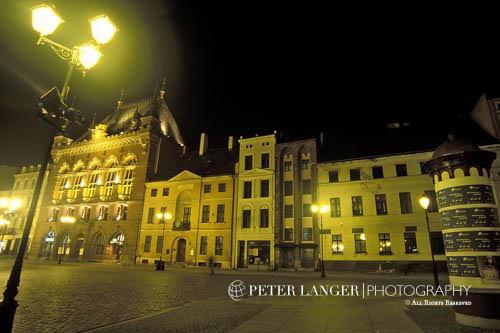 Poland;Polish;Polska;Europe;Europa;UNESCO;World Heritage Site;Medieval Town of Torun;Torun;Kujavian-Pomeranian Voivodship;Artus;Court;buildings;Old;Market Square;night