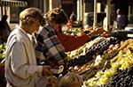 Switzerland;Schweiz;Suisse;Svizzera;Swiss;Europe;Europa;Bern;Berne;female;market;marketplaces;markets;merchants;people;person;persons;produce;retailers;salespersons;sellers;shopping;vendors;woman;women;Women