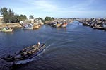 Vietnam;Vietnamese;Asia;Indochina;Southeast_Asia;boats;fisherman;fishermen;fishing_industry;persons;people;transportation;vessels;Phan_Thiet;Binh_Thuan;Fishing;boats;Phan_Thiet;River